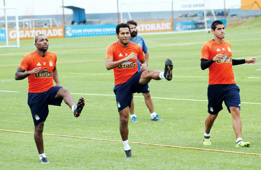 Jugadores de Sporting Cristal desarrollaron estiramientos