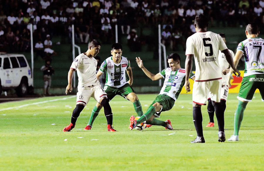 Universitario vs Oriente Petrolero