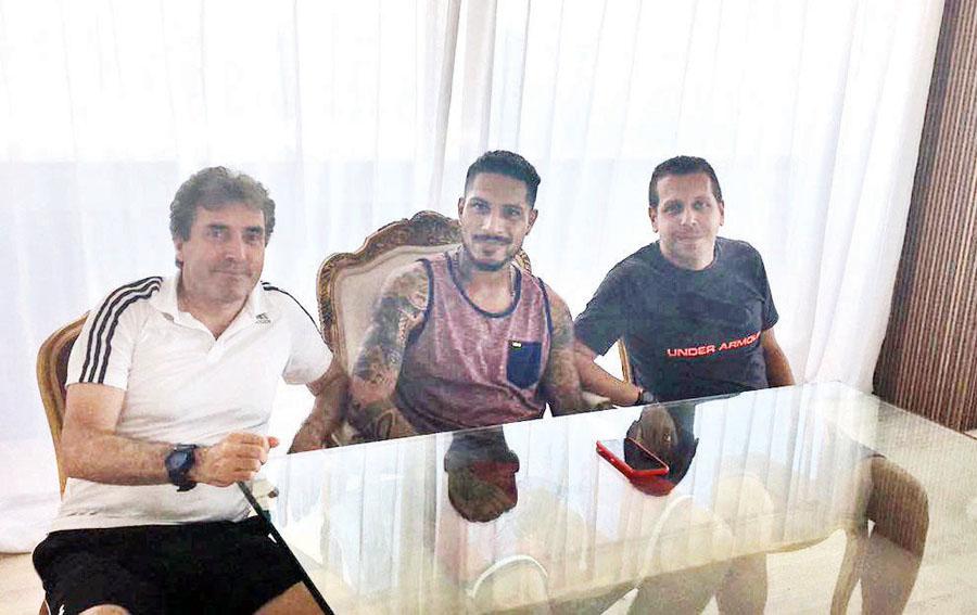 Néstor Bonillo, Adrián Vaccarini y Paolo Guerrero