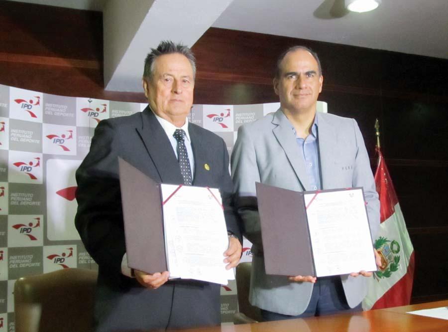 Óscar Fernández, presidente IPD y Hernán Saavedra presidente ANEF