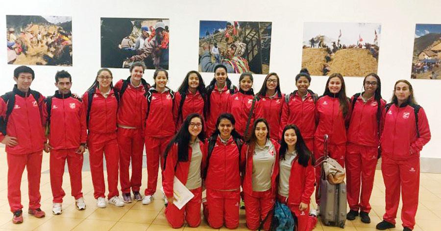 Selección peruana de vóley Sub-18 dirigida por Natalia Málaga