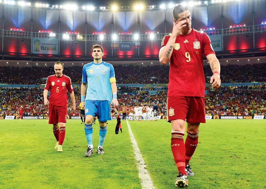 España fue un desastre en el mundial de Brasil 2014. Holanda le goleó en el debut y luego Chile le ganó