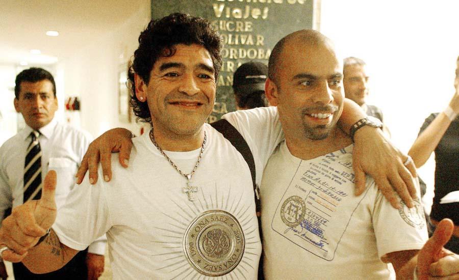 Mauricio 'Chicho' Serna con Maradona es uno de sus buenos amigos que le dio el fútbol