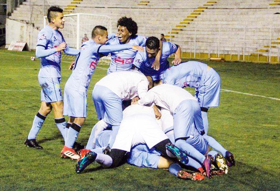 Real Garcilaso de local superó 1-0 a Comerciantes Unidos