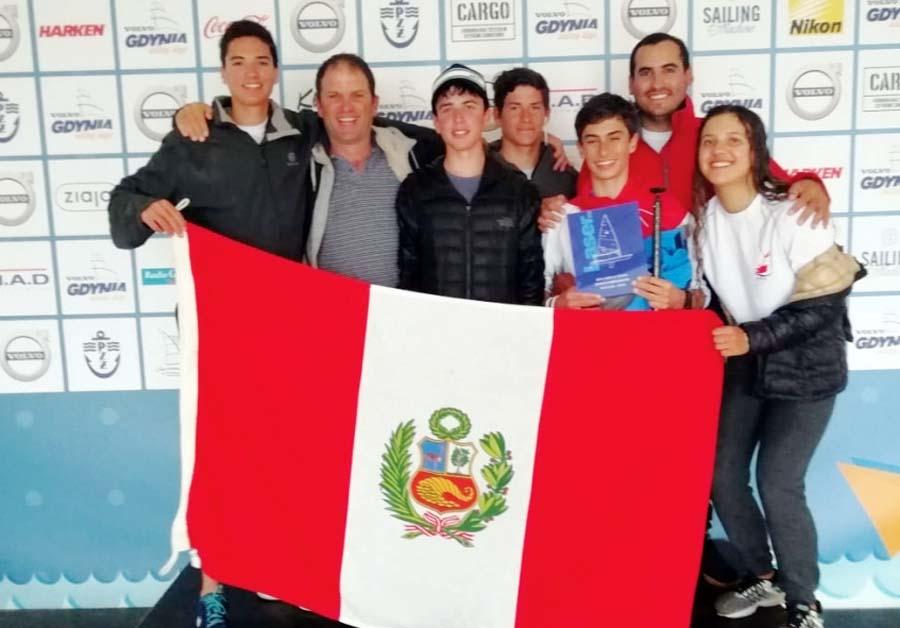 Stefano Viale Aguirre, deportista peruano que logro el tercer lugar en el mundial juvenil de vela