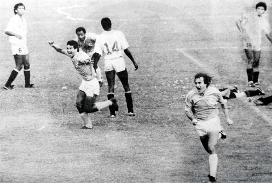 'La Pepa' Baldessari le hizo dos goles a la 'U' en el estadio 'Lolo' Fernández y luego los cremas le quemaron el bus a Cristal en 1991