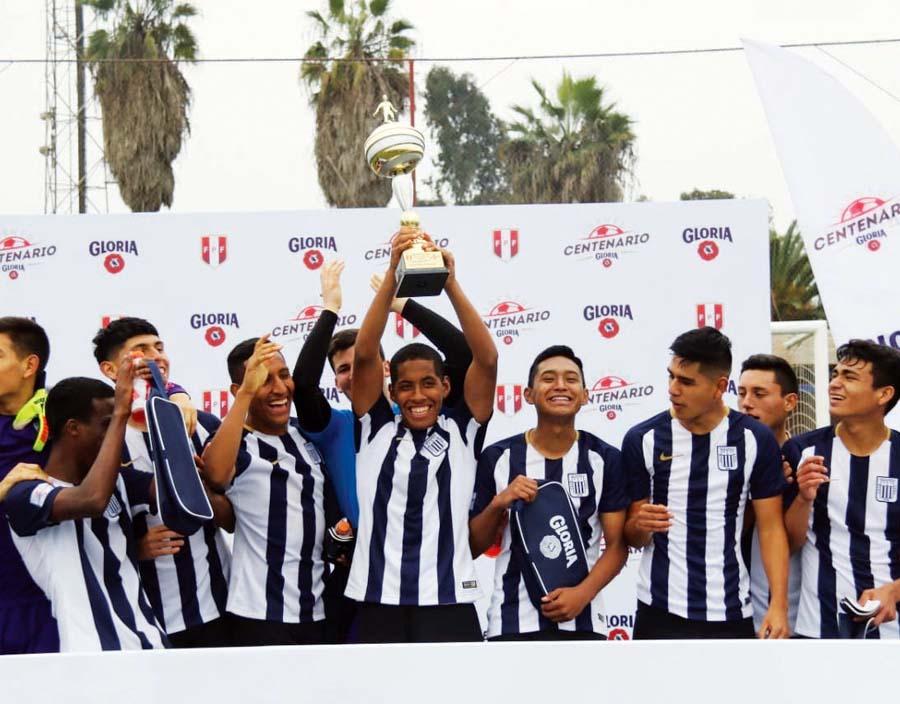 Alianza Lima (Sub 17) campeonaron en el torneo Copa Centenario Gloria