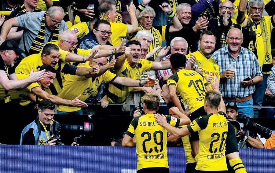 Borussia Dortmund goleó 4-1 al Rasen Ballsport Leipzig
