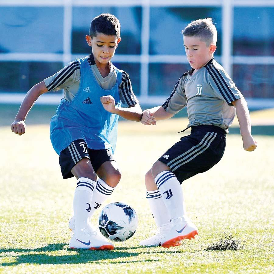 Hijo de Cristiano Ronaldo juega en los menores de la 'Juve'