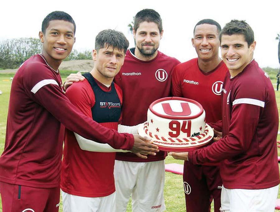 Universitario celebró su aniversario número 94