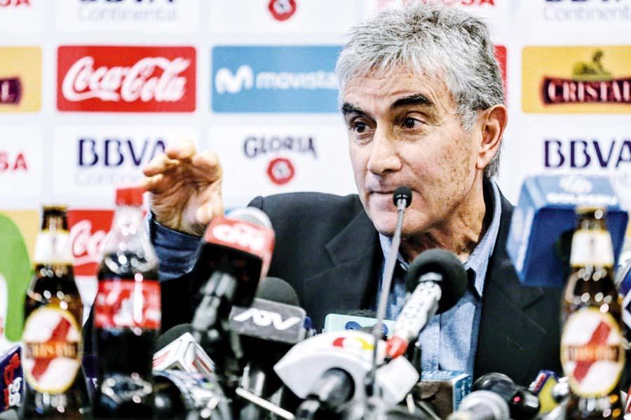 Juan Carlos Oblitas, director deportivo de la selección peruana