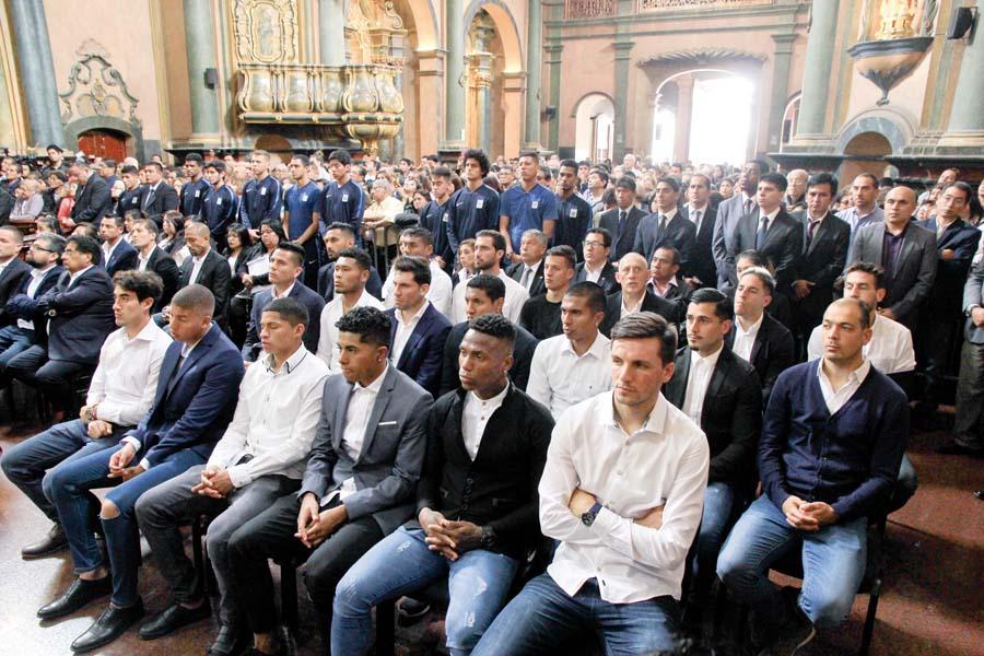 Alianza Lima en misa en la iglesia Las Nazarenas