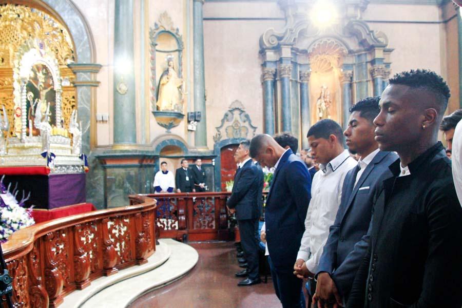 Alianza Lima visitó al Señor de los milagros para pedirles los ayude a conseguir el título del clausura