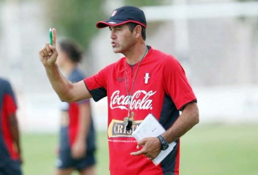 Daniel Ahmed, técnico de la selección peruana Sub-20