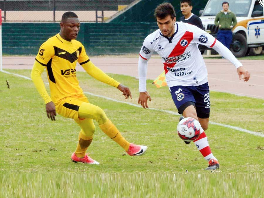 El colombiano González y Ampuero, otra vez se enfrentarán