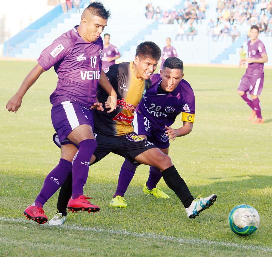 Escena del partido entre Venus y Retamoso FC (Copa Perú)