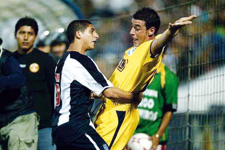 Guillermo Salas como futbolista, consiguió cuatro títulos nacionales en Alianza Lima
