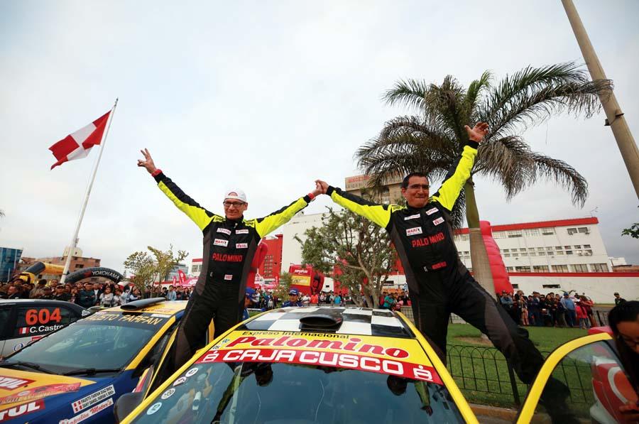 Richard Palomino y su copiloto Augusto Larrea