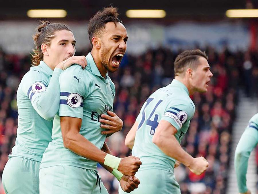 Arsenal logró un triunfo de visita por 2-1 al Bournemouth