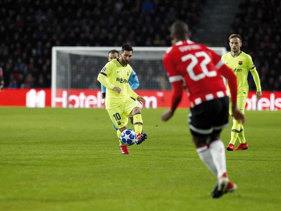 Barcelona superó de visita 2-0 al PSV