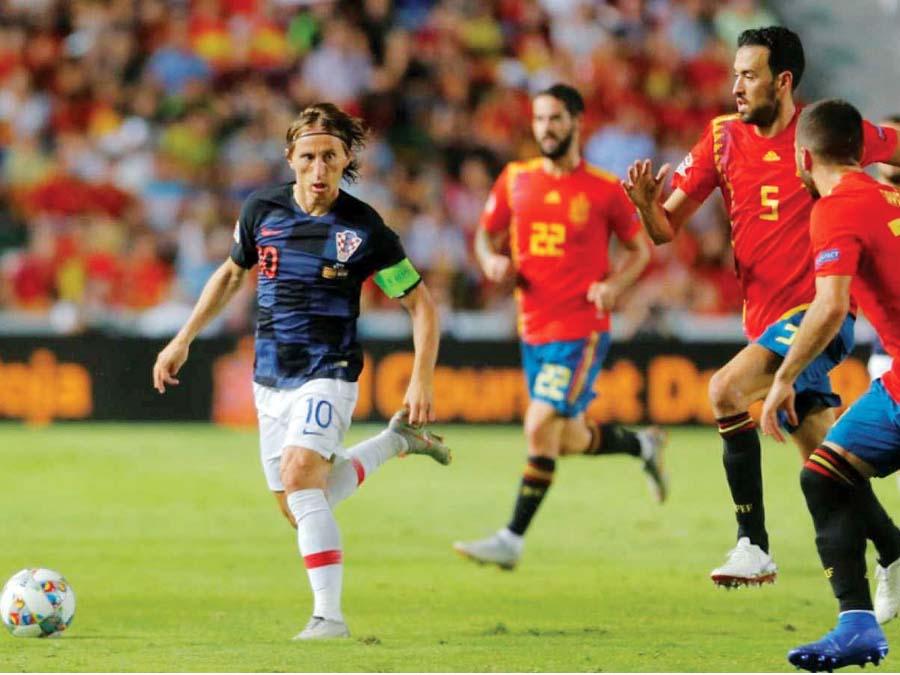 España espera vencer de visita a Croacia
