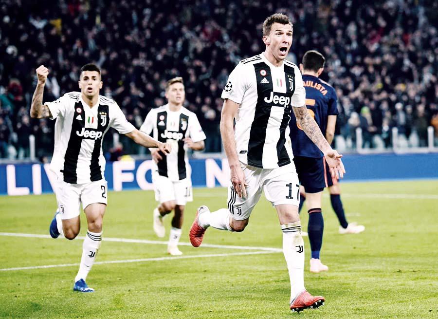 Juventus con gol de Mandzukic superó 1-0 al Valencia