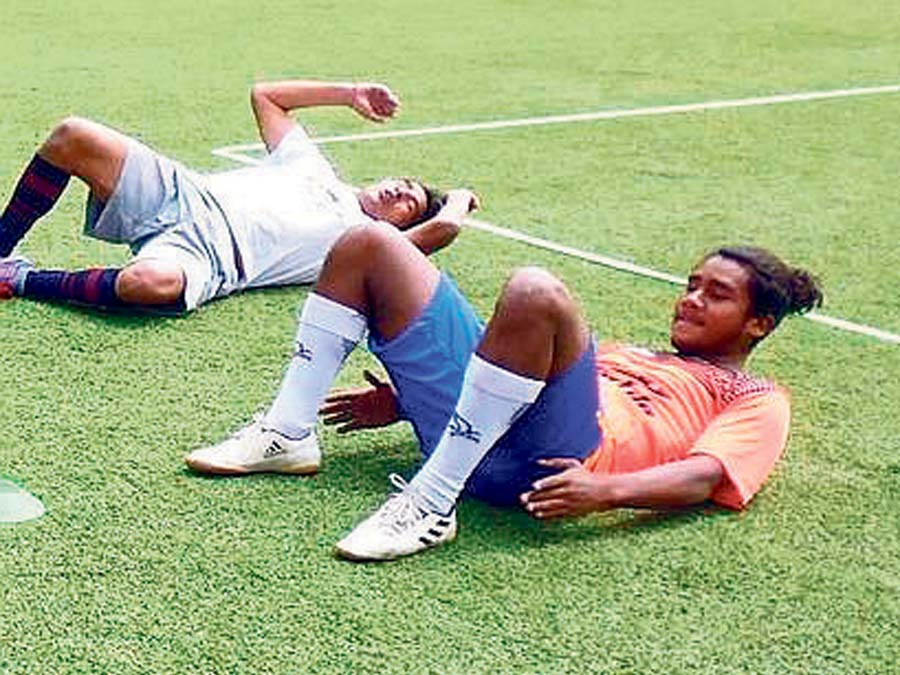 Los jugadores del UDA en pleno entrenamiento