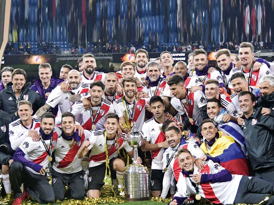 'Millonarios' lograron la copa libertadores al vencer 3-1 a Boca Juniors en el estadio Santiago Bernabéu