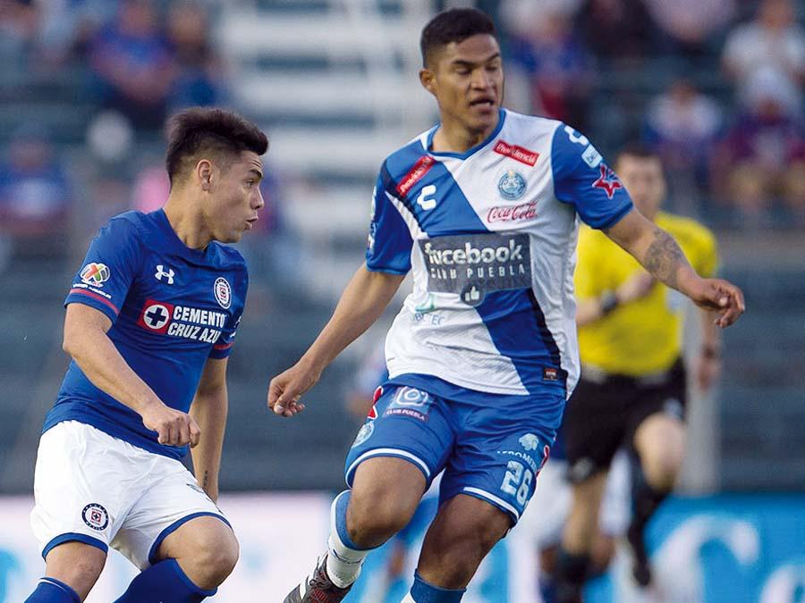 A Anderson Santamaría le gusta la idea de vestirse de crema, no juega mucho en el Puebla