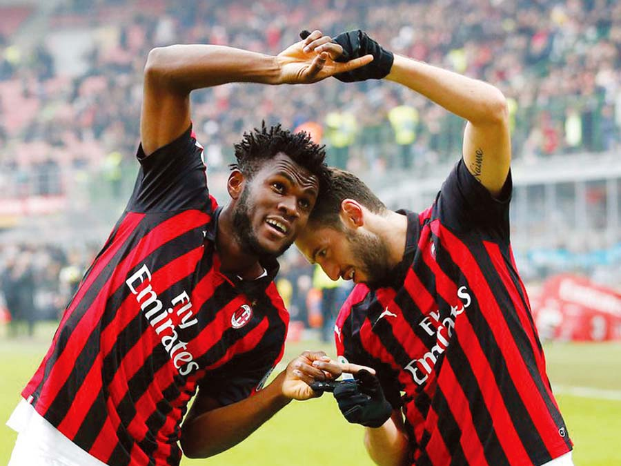 AC Milan derrotó 2-1 al Parma