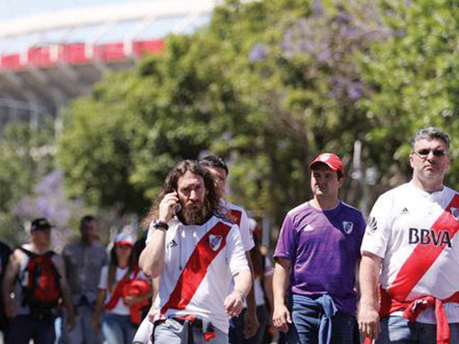 Hinchas de River Plate se enteraron de eliminación a su llegada a Emiratos Árabes Unidos