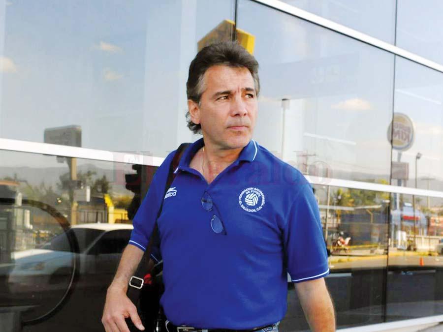 Carlos De los Cobos