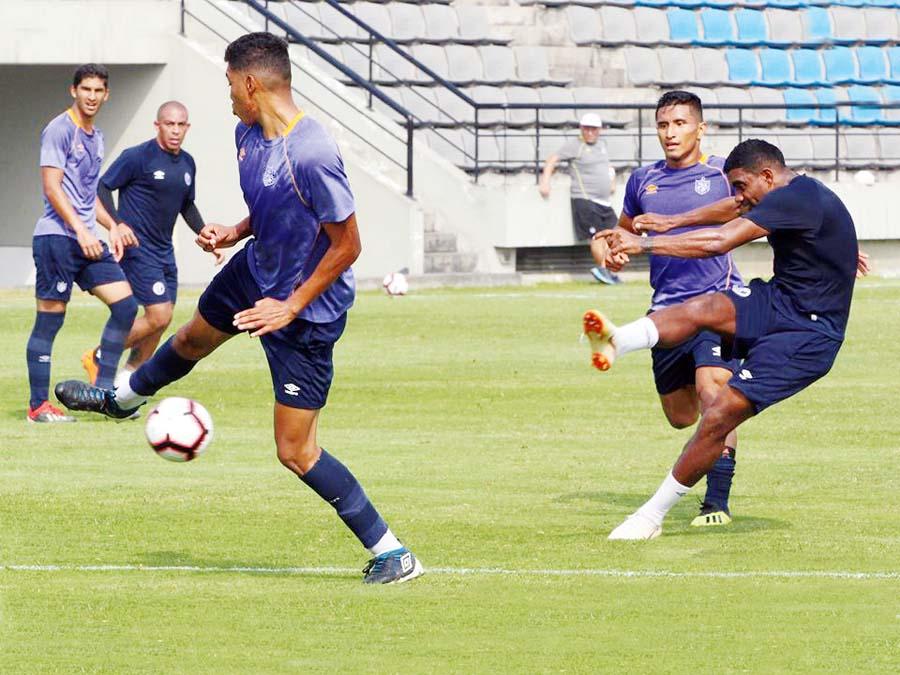 Deportivo Municipal gano 2-0 a San Martín en amistoso