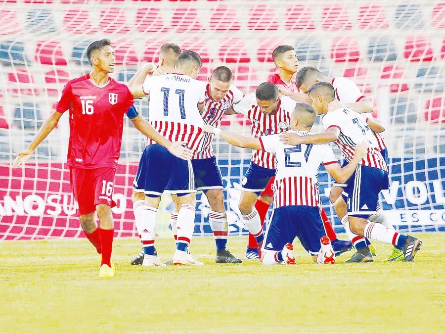 Paraguay venció 1-0 a Perú