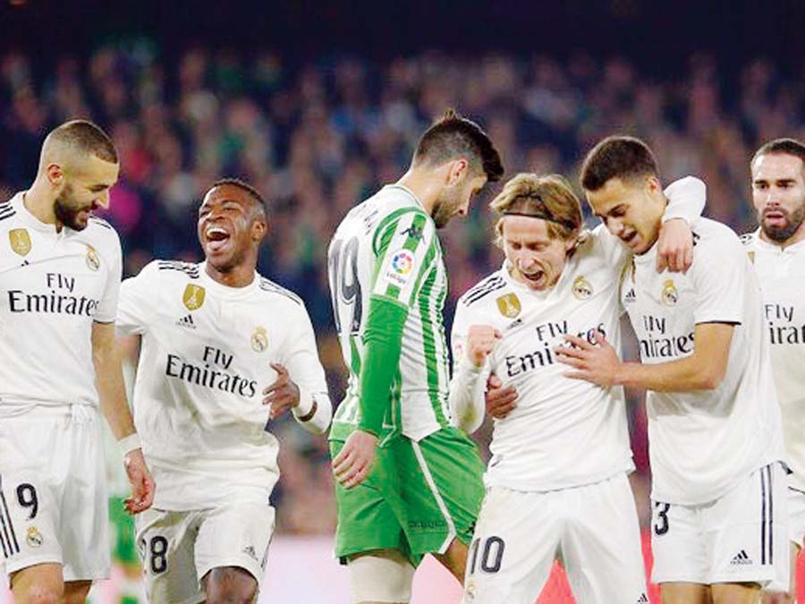Real Madrid venció de visita 2-1 al Real Betis