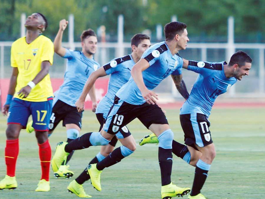 Uruguay venció 3-1 ante un aguerrido Ecuador