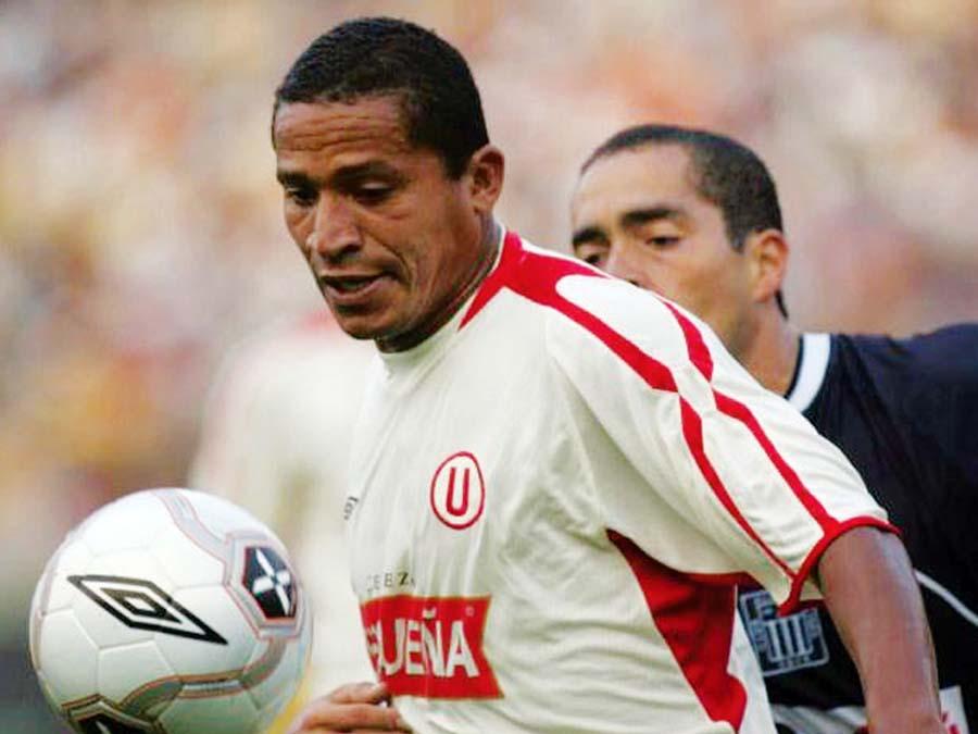 Carlos 'Kukín' Flores