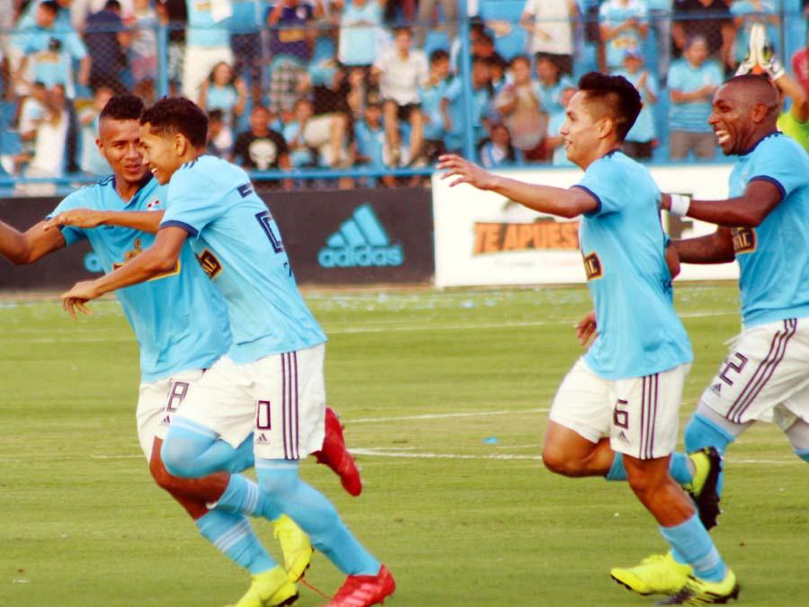 Cristal venció 2-1 a Cantolao