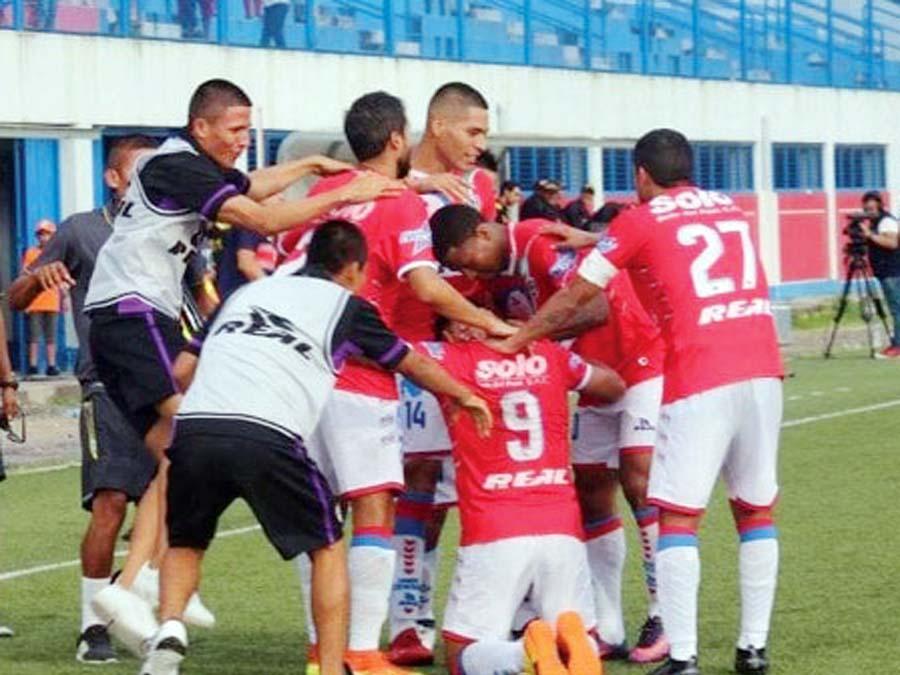 Unión Comercio superó 4-2 a los Armadillos FC