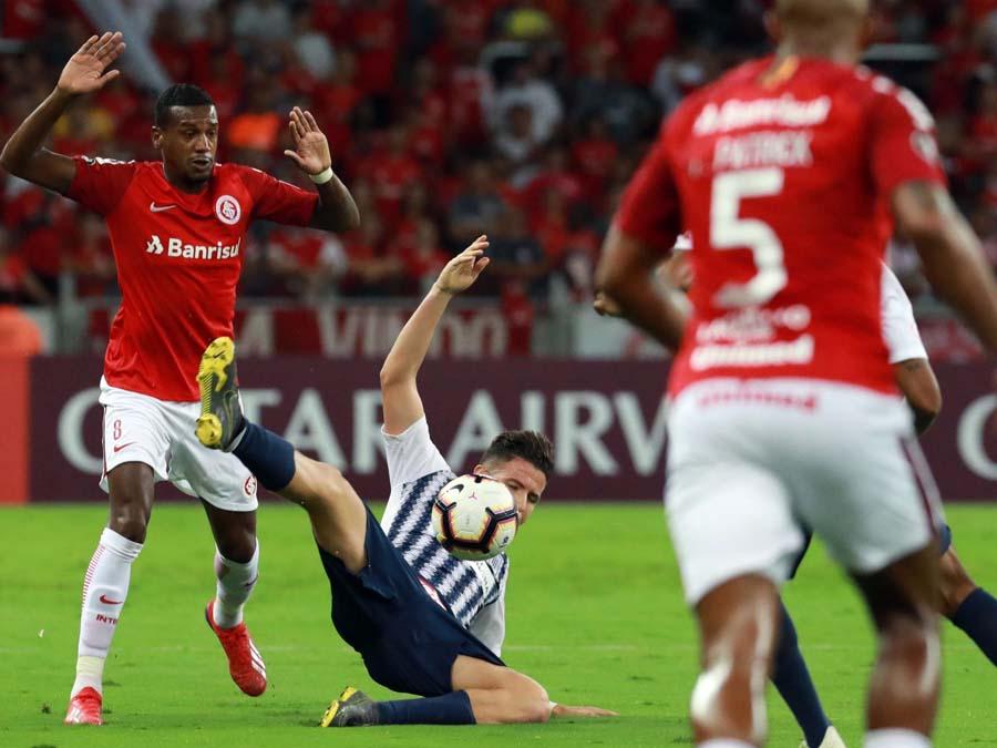Alianza perdió 2-0 ante Internacional de Porto Alegre