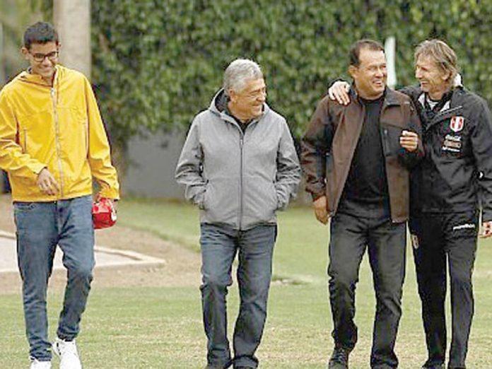 Juan Reynoso, llegó ayer a la Videna acompañado del gerente deportivo de Melgar, Gustavo Vivanco