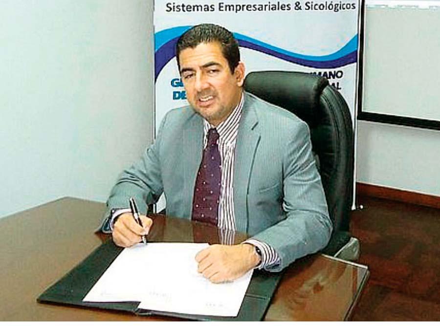 Carlos Moreno administrador de Universitario