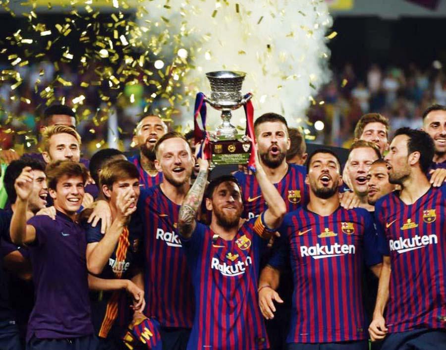 Barcelona derrotó 2-1 al Sevilla con goles de Piqué y Dembélé y conquistó la Supercopa de España