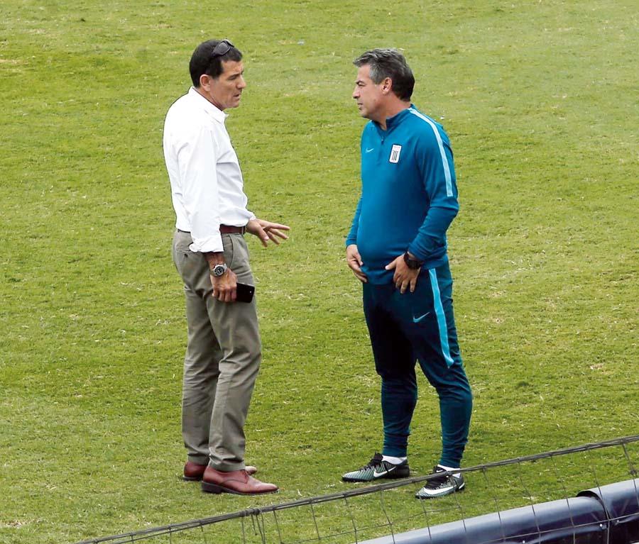 Bengoechea reclamó eufórico al gerente Gustavo Zevallos