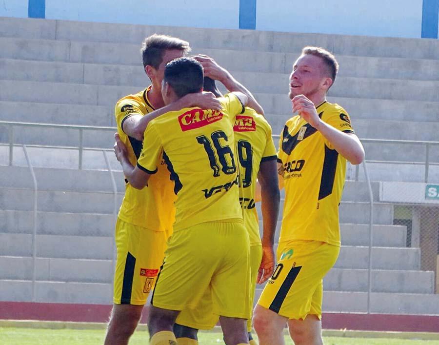 Cantolao goleó 4-0 a Comerciantes Unidos