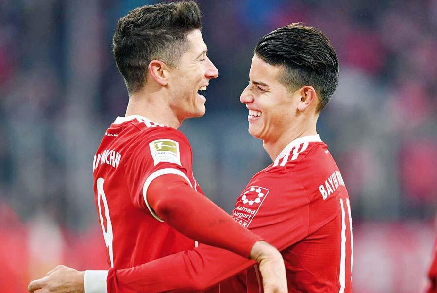 Bayern Múnich sale a vencer al AEK para no alejarse de la punta