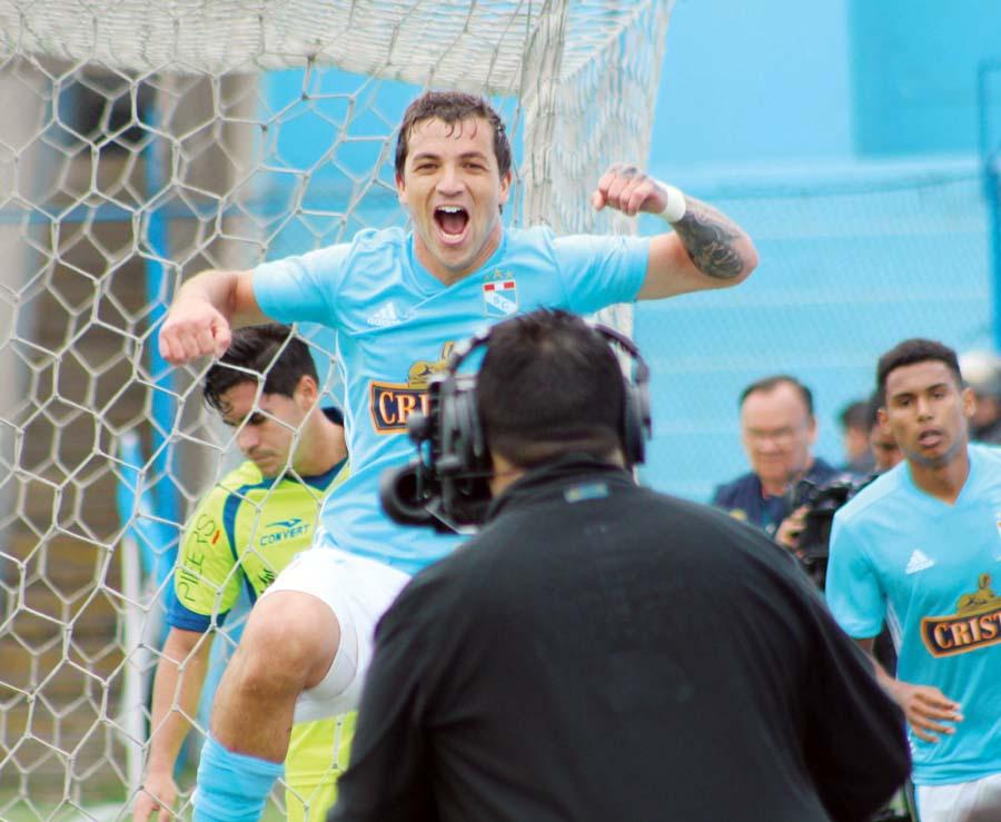 El uruguayo Gabriel Costa hizo el tanto de la victoria, demostrando su importancia
