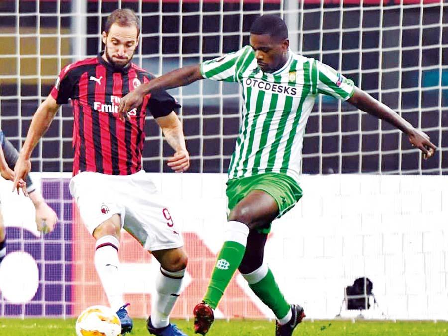 Real Betis y el Milan se enfrentan