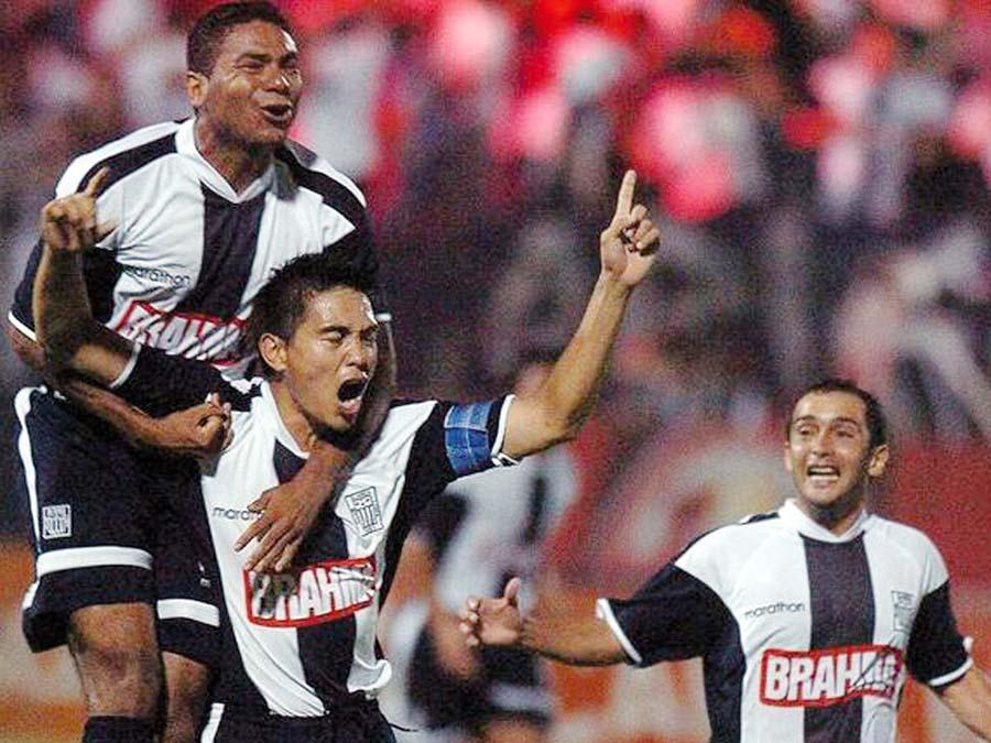 Ernesto Arakaki en Alianza fue 4 veces campeón y capitán