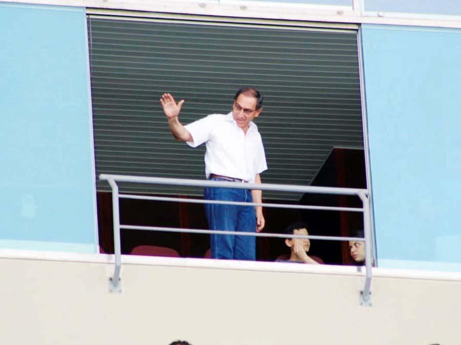 Llegada presidencial. El mandamás del Perú, Martín Vizcarra, se hizo presente en el coloso de la calle José Díaz para ver el partido. Se ubicó en un palco en la parte alta del estadio.